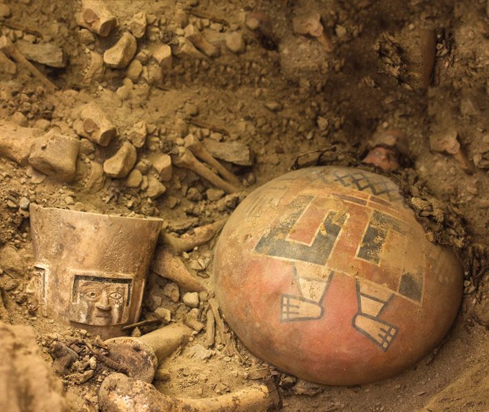 (Courtesy Patrycja Przadka Giersz)Within an unlooted tomb of the Wari civilization, a pre-Inca culture of Peru, archaeologists found the remains of several of the empire's queens, accompanied by lavish offerings such as a cup that had been carved out of alabaster and a 1,200-year-old decorated ceramic flask.