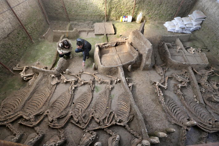 Tomb from a Lost Tribe - Archaeology Magazine