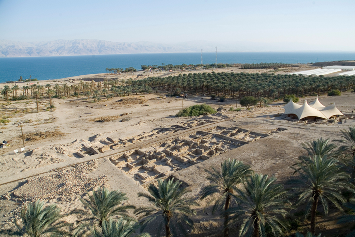 Life in a Busy Oasis - Archaeology Magazine