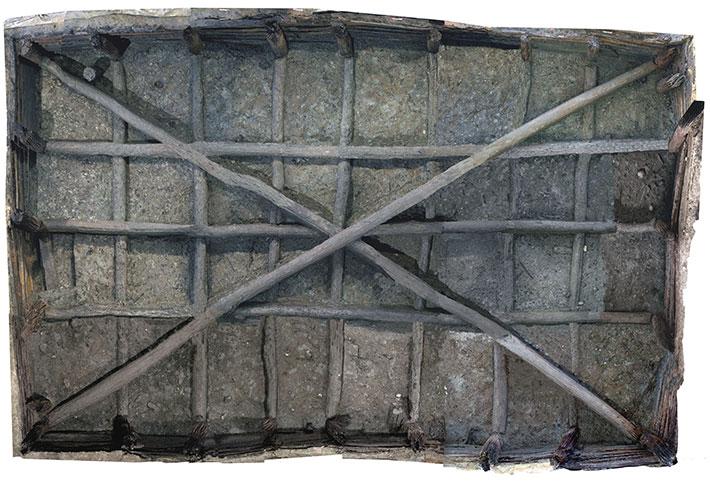 Noceto havuzu kabaca 40 fit uzunluğunda, 23 fit genişliğinde ve en az 16 fit derinliğinde ölçüldü.  Havuzu birbirine dik olarak geçen iki yatay kiriş ağı ile yerinde tutulan 26 dikey ahşap direk ile inşa edilmiştir.  Çapraz olarak düzenlenmiş bir çift uzun kiriş, dört köşe direğini destekledi.  Dikey direkler tarafından yerinde tutulan 240'tan fazla birbirine geçme tahtası, havuzun toprak duvarlarını kapladı.