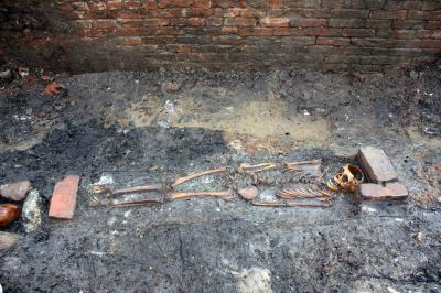 Soil in Burials Could Point to Cause of Death