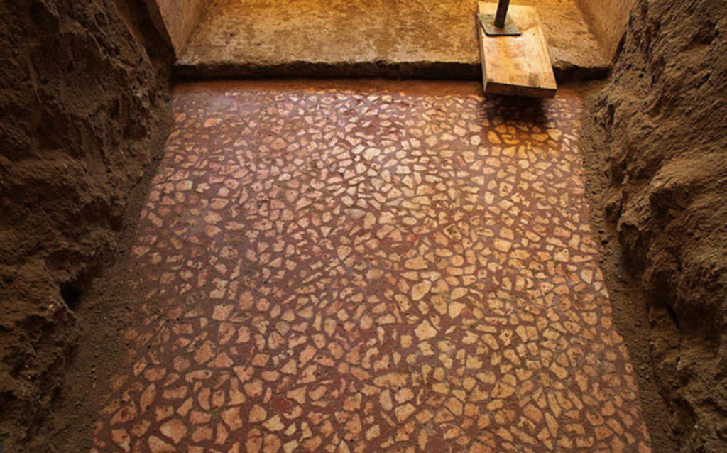 (The Greek Ministry of Culture and Sports) & UPDATE: Unusual Floor Uncovered in Amphipolis Tomb - Archaeology ...