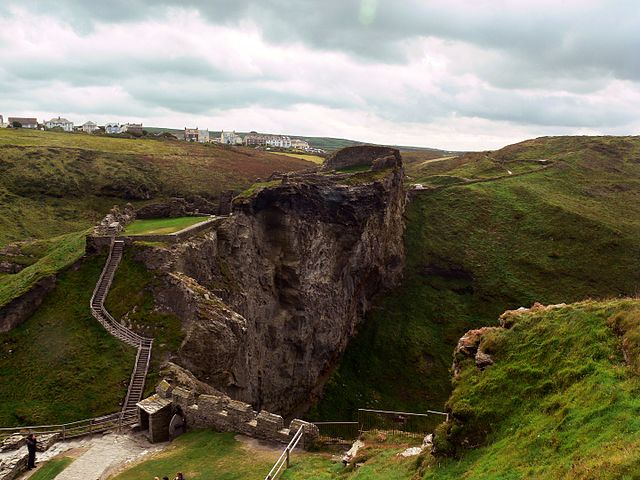 Walls at Tintagel Castle May Date to the Sixth Century