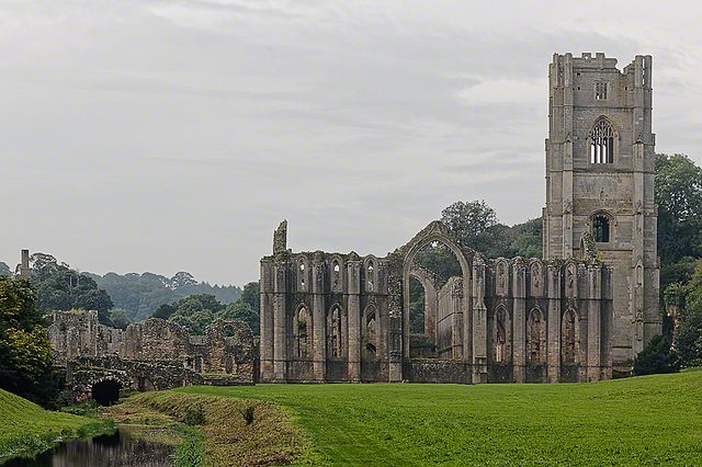 Fountains Abbey graves