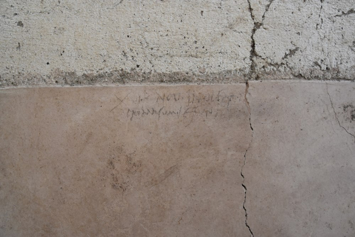 Pompeii graffiti dating