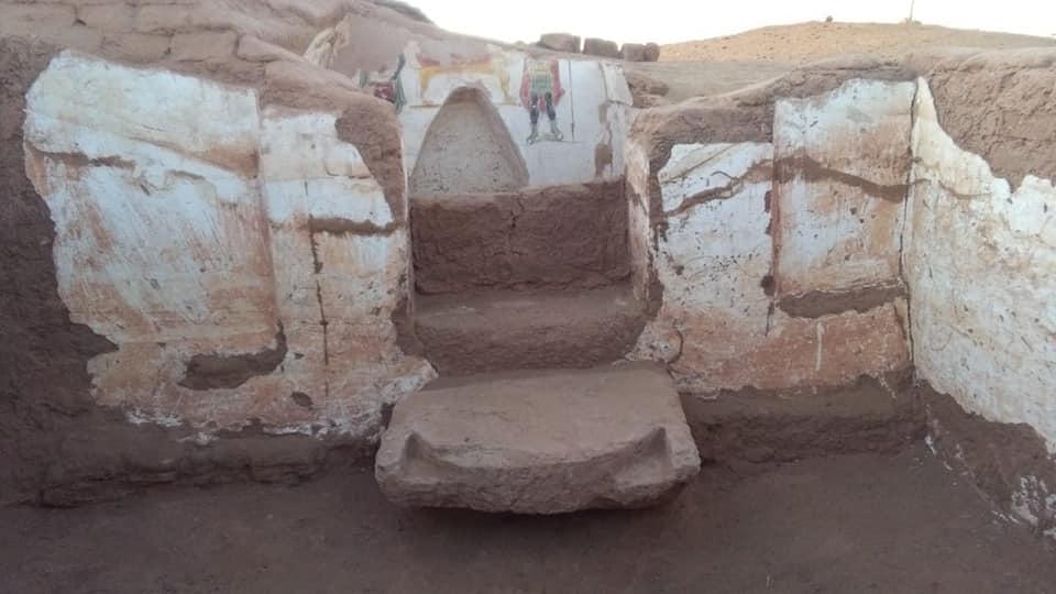 Egypt mud brick tombs