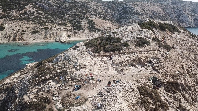 Bronze Age Structures and Tube System Found on Greek Isles