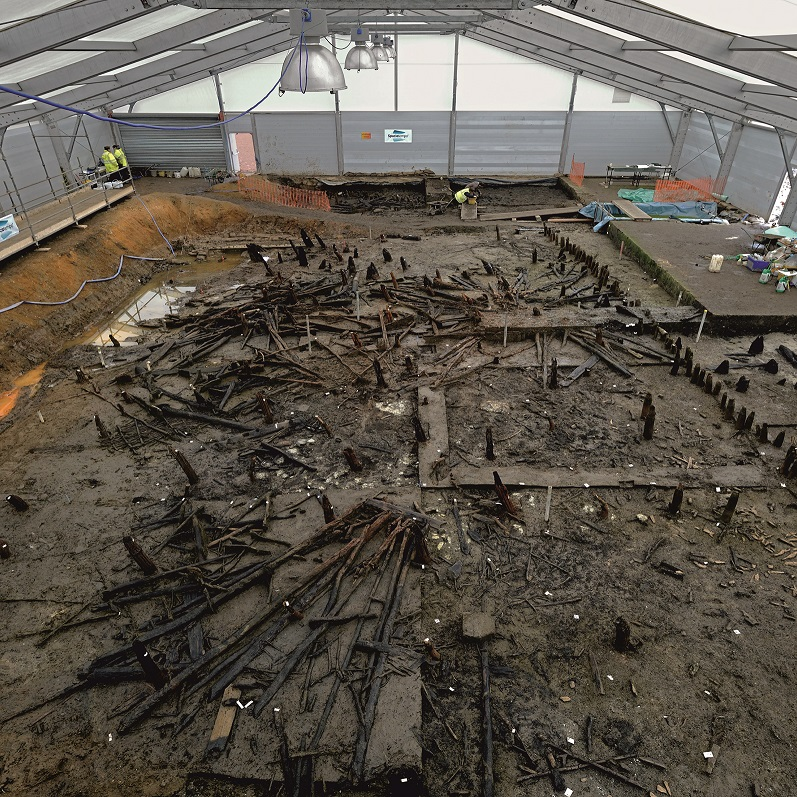 England's Bronze Age Roundhouses Preserved in River Silts - Archaeology Magazine