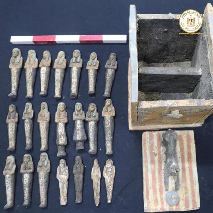 Mısır Saqqara bulur