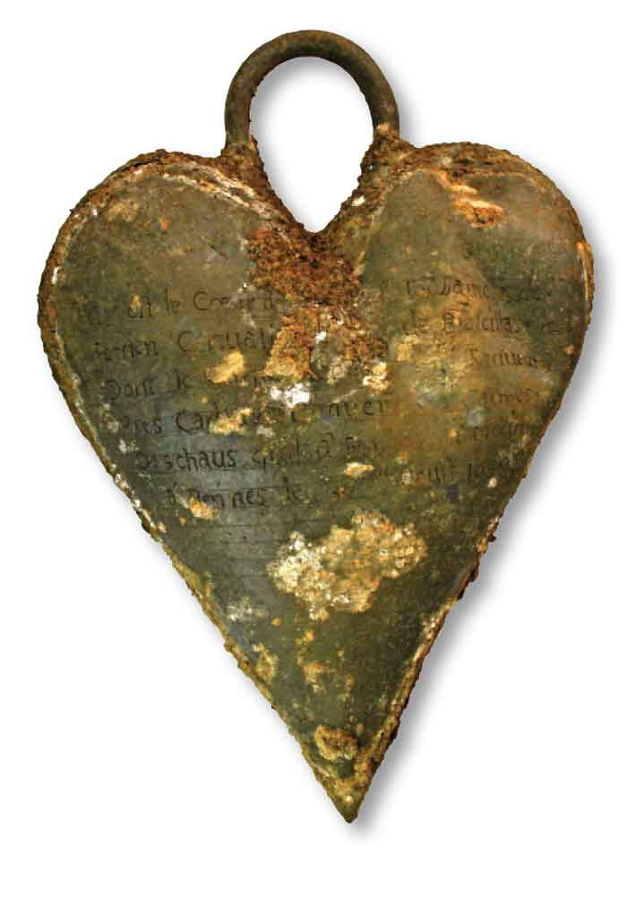 Trenches French Noblewoman Heart Relic