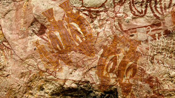 Animals are among the most common subjects of Aboriginal rock art in this part of Australia. The animals on Malarrak's central panel also document a changing environment. The detailed colored fish suggest a wet climate and the emergence of freshwater wetlands in the area, while the kangaroo between and under them suggests a pervious drier period. Among other subjects, a crocodile and drinking mug are visible at right.